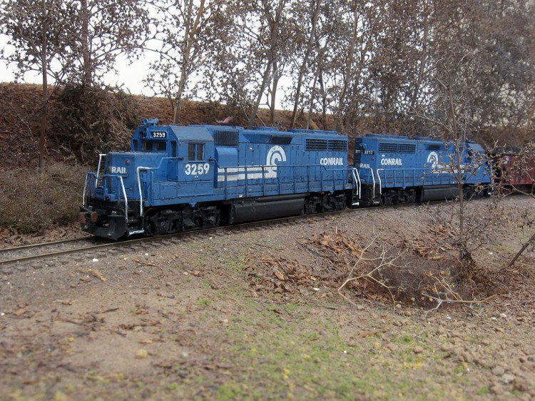 Roster shot of my Conrail GP40 3259