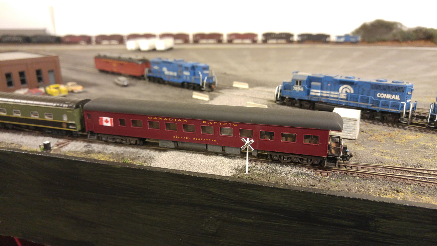 mmmt-04-tail-car-entering-yard